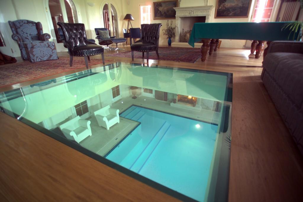 Treviso villa di lusso con piscina domestica di piscine for Piscina di lusso