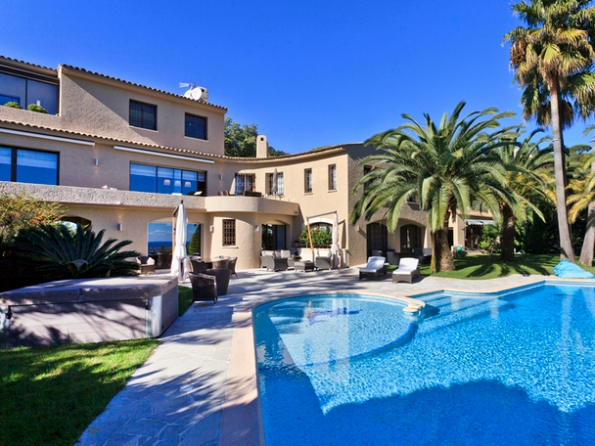 Villa_di_lusso_a_Cannes_01