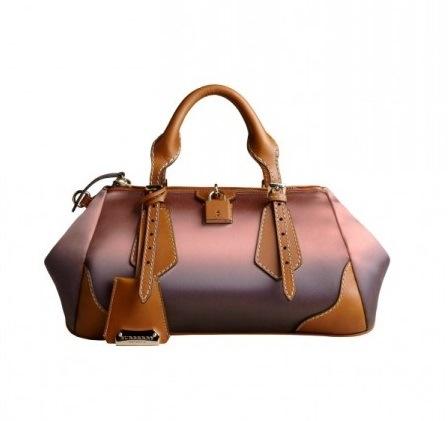 ad4fd0e100 Speciale bags: TRA COLORE E TRASPARENZE VA IN SCENA LA NUOVA PRIMAVERA