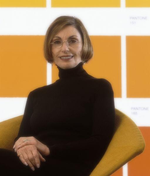 Leatrice-Eisemann_halbkörper-Portrait-w600-h600