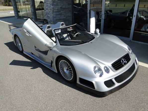 mercedes-clk-gtr-roadster