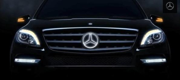 Mercedes-Logo-Illuminato