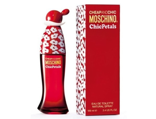 Moschino-Cheap-and-Chic-Chic-Petals-600x457
