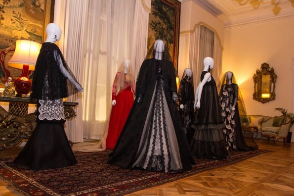 Foto Fashion Exhibition Michele Miglionico Haute Couture
