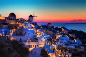 Santorini4 lapromenademag.com